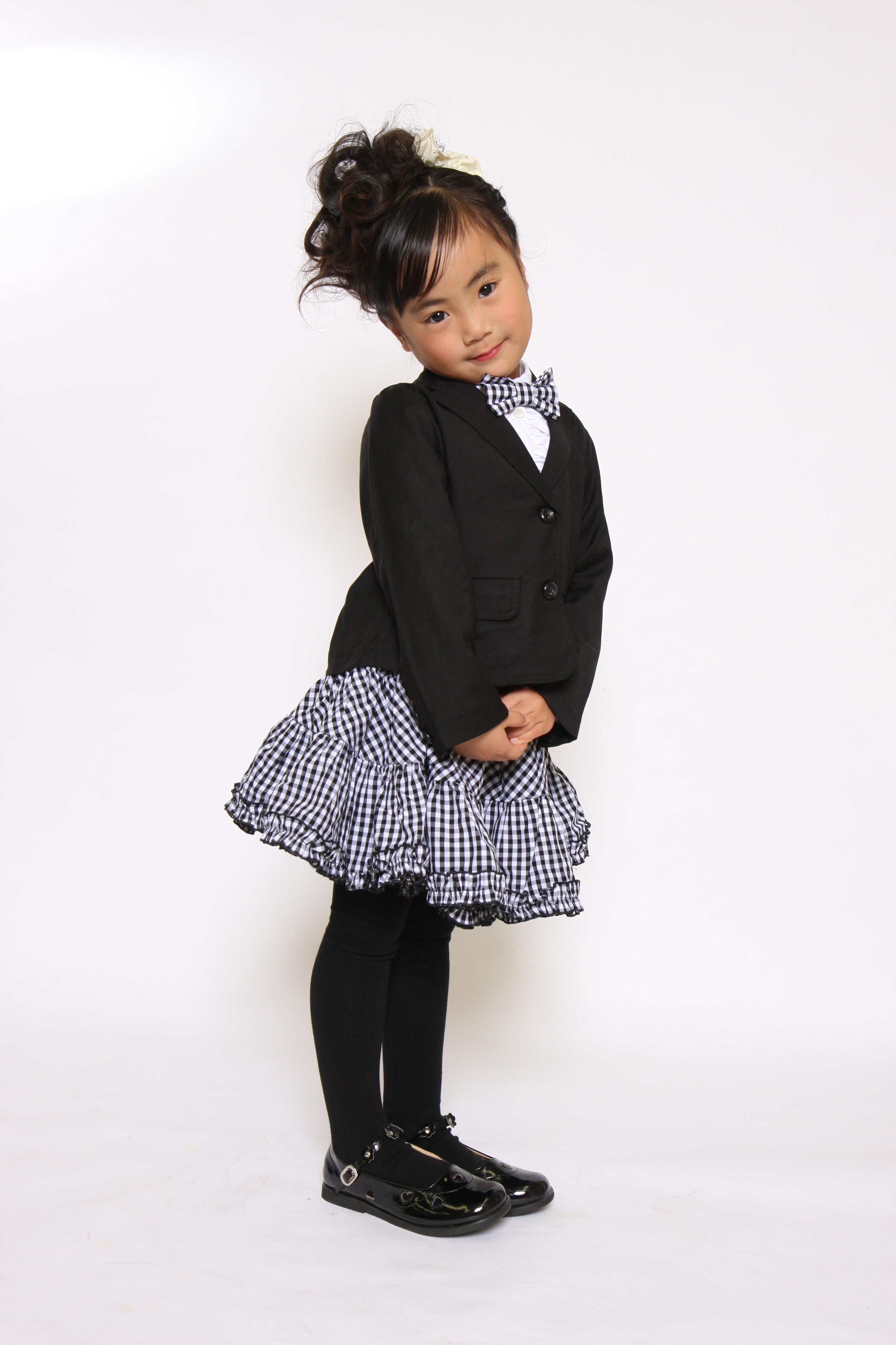 子供服でキッズモデル撮影 女の子 フォーマル